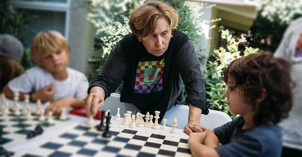 Ivona is available to teach private chess groups, including families, friends including adults and/or children. Groups can be taught in your home or in Ivona's home in Venice.