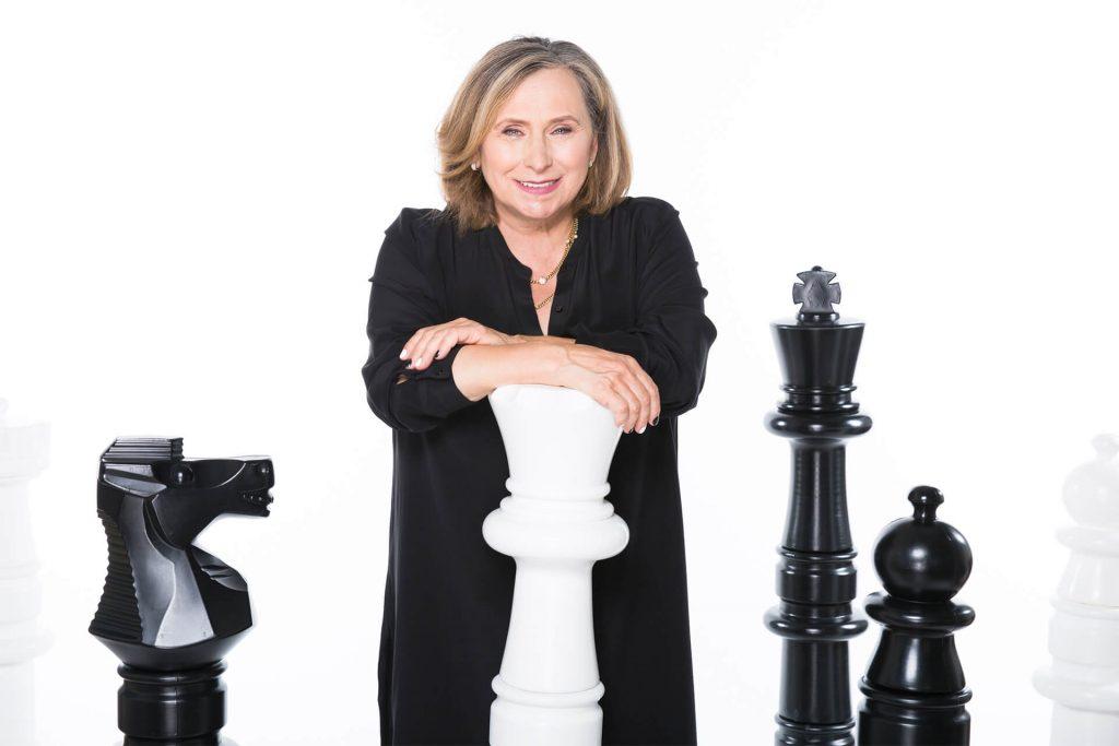 ivona chess la